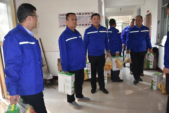 集团机关党支部到南韩村老年幸福院献爱心12
