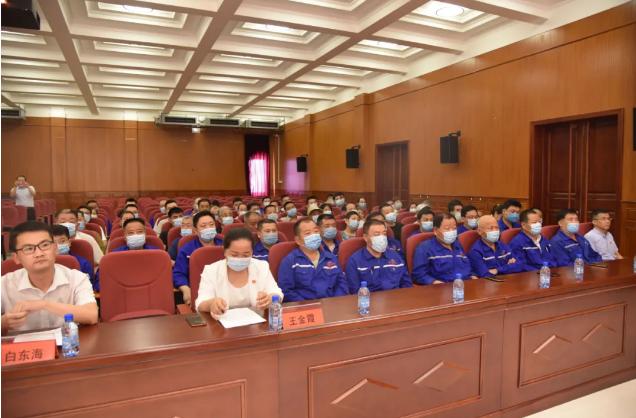 集团党员参加南韩村庆祝建党九十九周年大会99